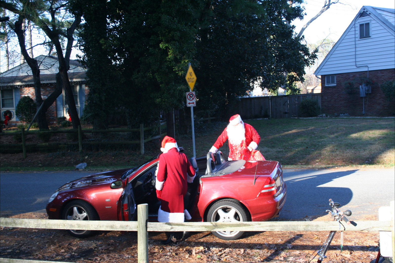 Image of Santa About To Leave The Park
